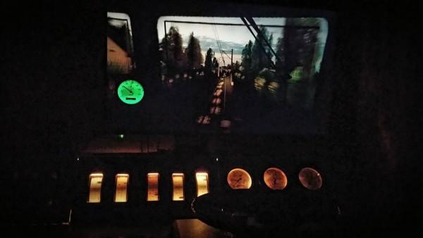 Nocna jazda z podświetleniem żarowym